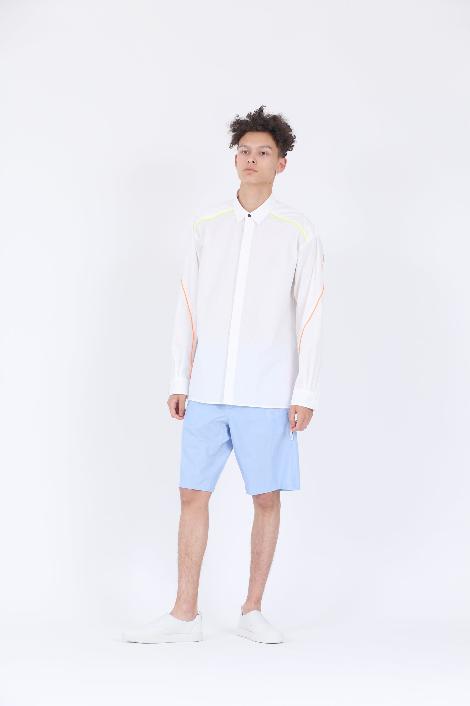VENTILATION CHAMBRAY SHORTS