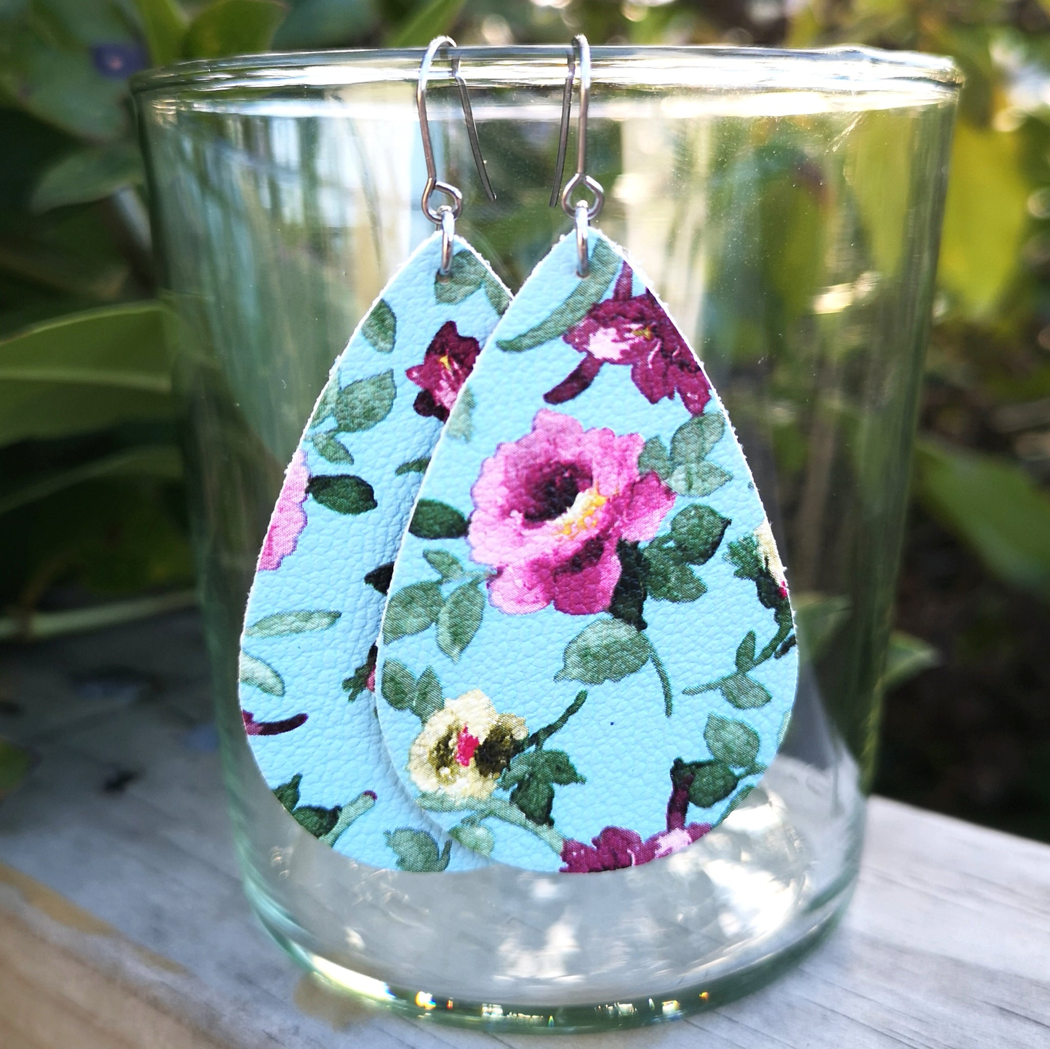 Teardrop - Blue with Pink Floral