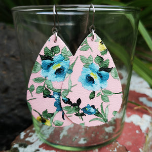 Teardrop - Pink with Blue Floral