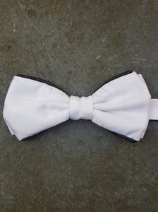 Silk Contrasting Bow Tie (White-Black)