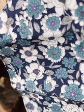 Load image into Gallery viewer, Pocket Square | Flower Bed (Cerulean)