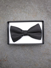 Load image into Gallery viewer, Barathea Bow Tie (Black)