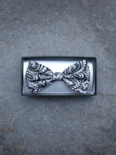 Load image into Gallery viewer, Paisley Bow Tie (Grey)