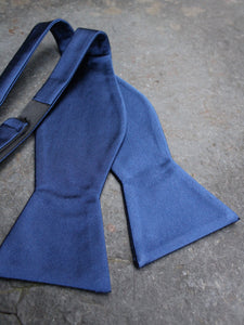 Silk Self Tie Bow (Navy)