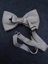 Load image into Gallery viewer, Silk Knit Bow Tie (Cream)
