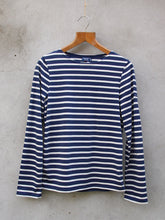Load image into Gallery viewer, Breton Top | Minquiers Moderne (Navy)