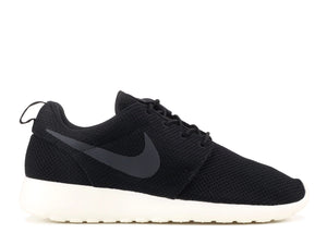 "Nike Roshe Run ""Black"""