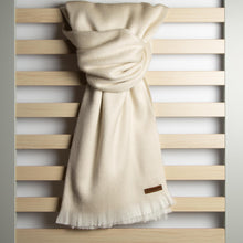 Load image into Gallery viewer, Alpaca scarf - Pearl