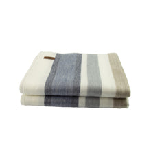 Load image into Gallery viewer, Alpaca blanket - Cosy Stripe