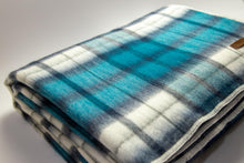 Load image into Gallery viewer, Alpaca blanket - Blue Check