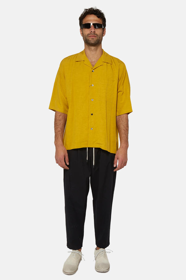 Chemise en lin jaune à col cubain Attachment