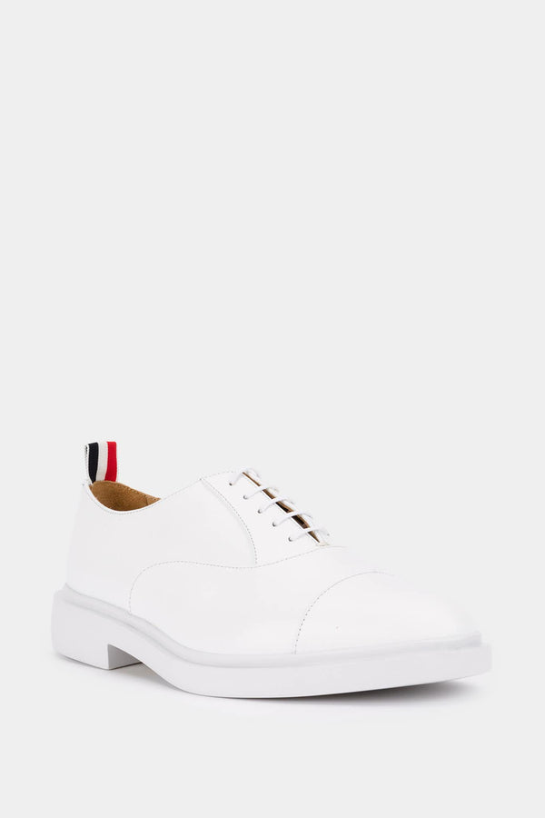 Thom Browne Derbies en cuir blanches