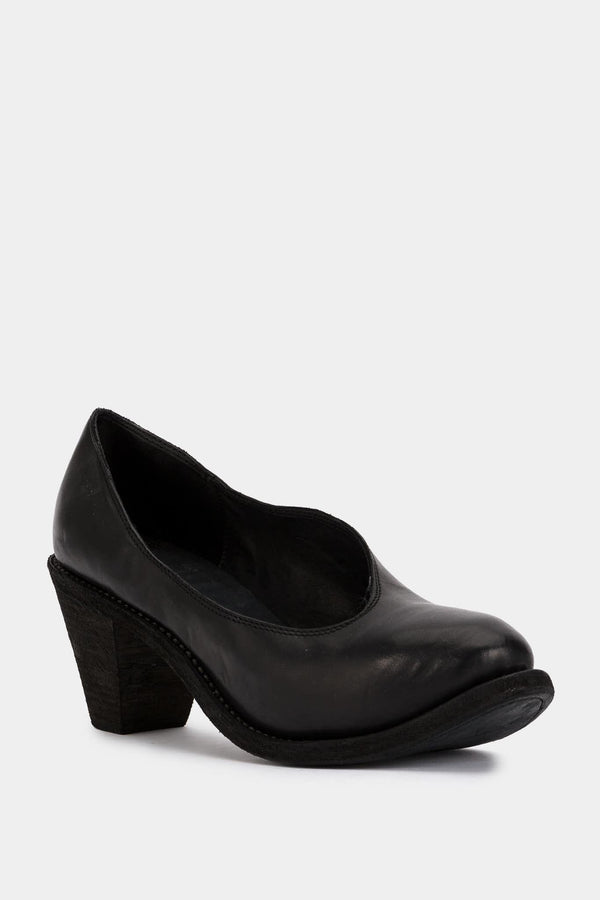 Guidi Black leather pumps