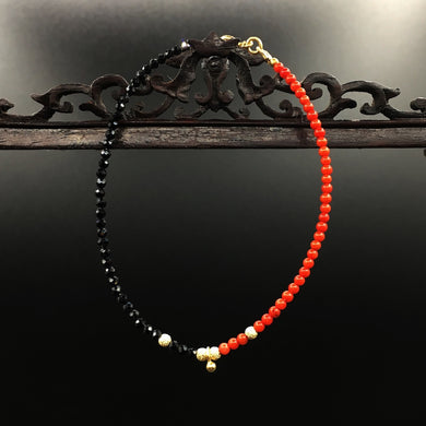 Armband Coral to Spinell  + Zartes Armband  + Perlen aus Spinell & Koralle  + Vergoldete Sterling Silber Elemente   Unikat