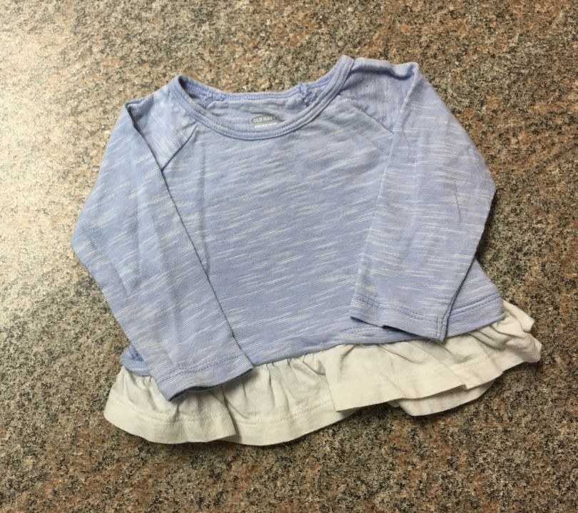 Old Navy blue white ruffle top sz 3-6 months EUC