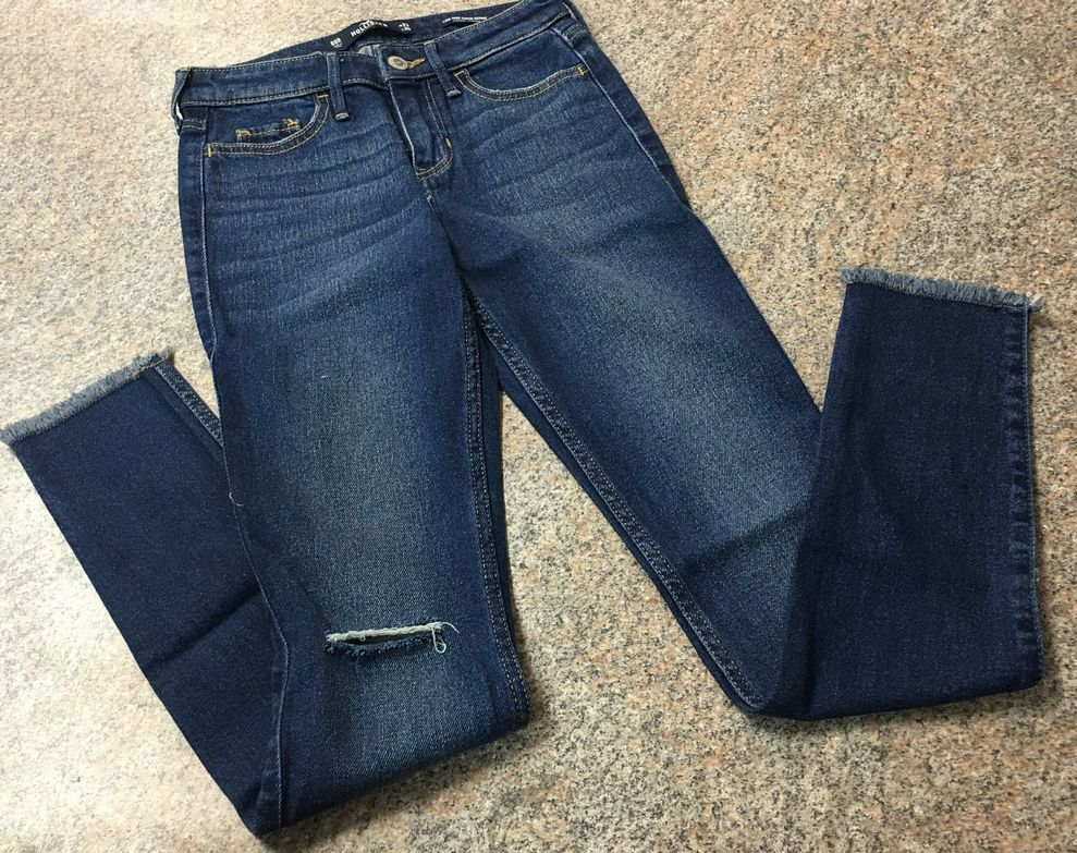 Hollister low rise super skinny worn look jeans sz 00 (23