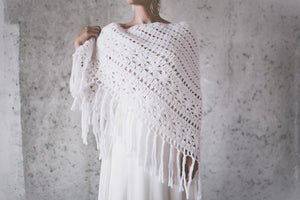 BOHO EXCLUSIVE BRIDAL STOLE snow white v-line