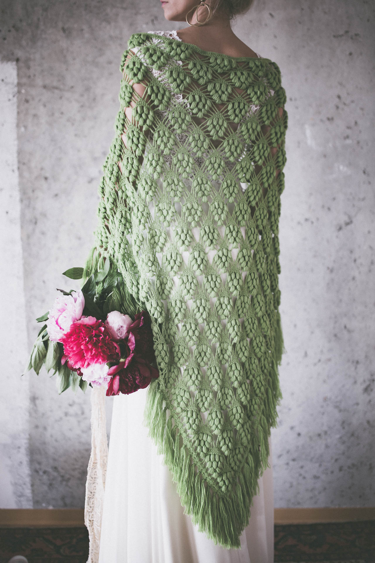 BOHO EXCLUSIVE BRIDAL CAPE green