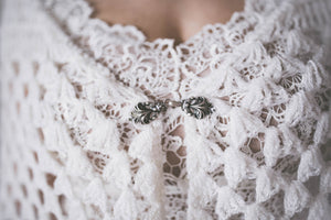 BOHO EXCLUSIVE BRIDAL CAPE minimal white