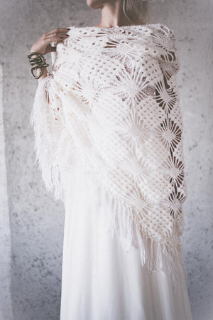 BOHO EXCLUSIVE BRIDAL STOLE off white diamonds