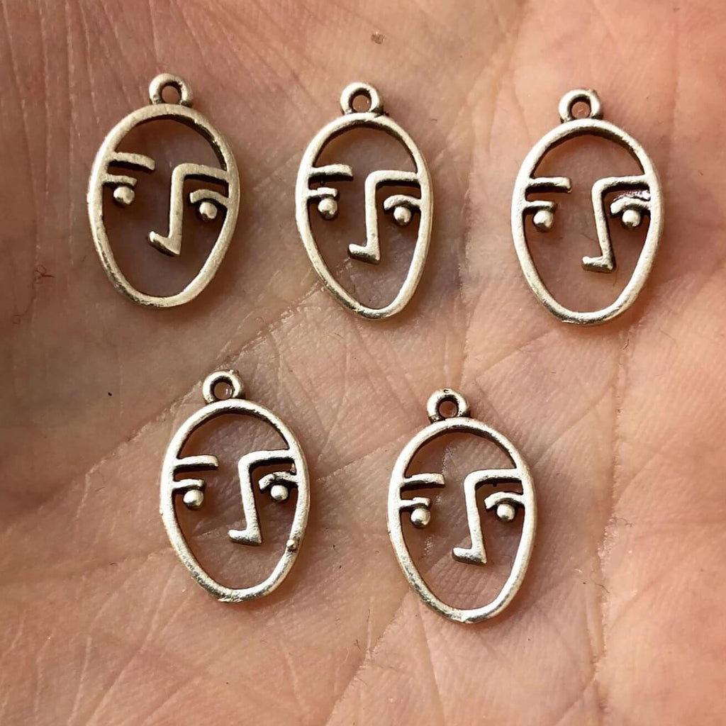 10 pc Tiny Face Charms, 1cm , Face Pendants, Silver Plated, 10 pieces in a pack