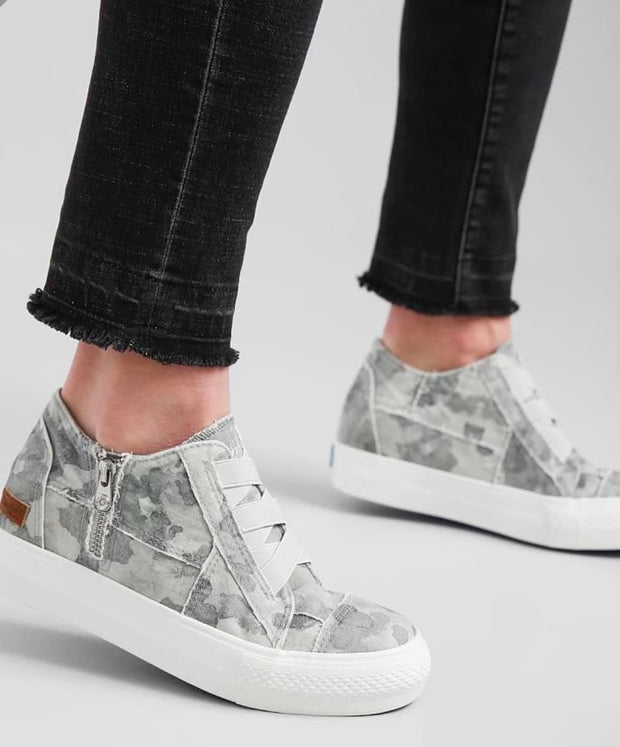 Blowfish Malibu Sneaker Mamba Sneakers - Gray Splatter Camoflauge