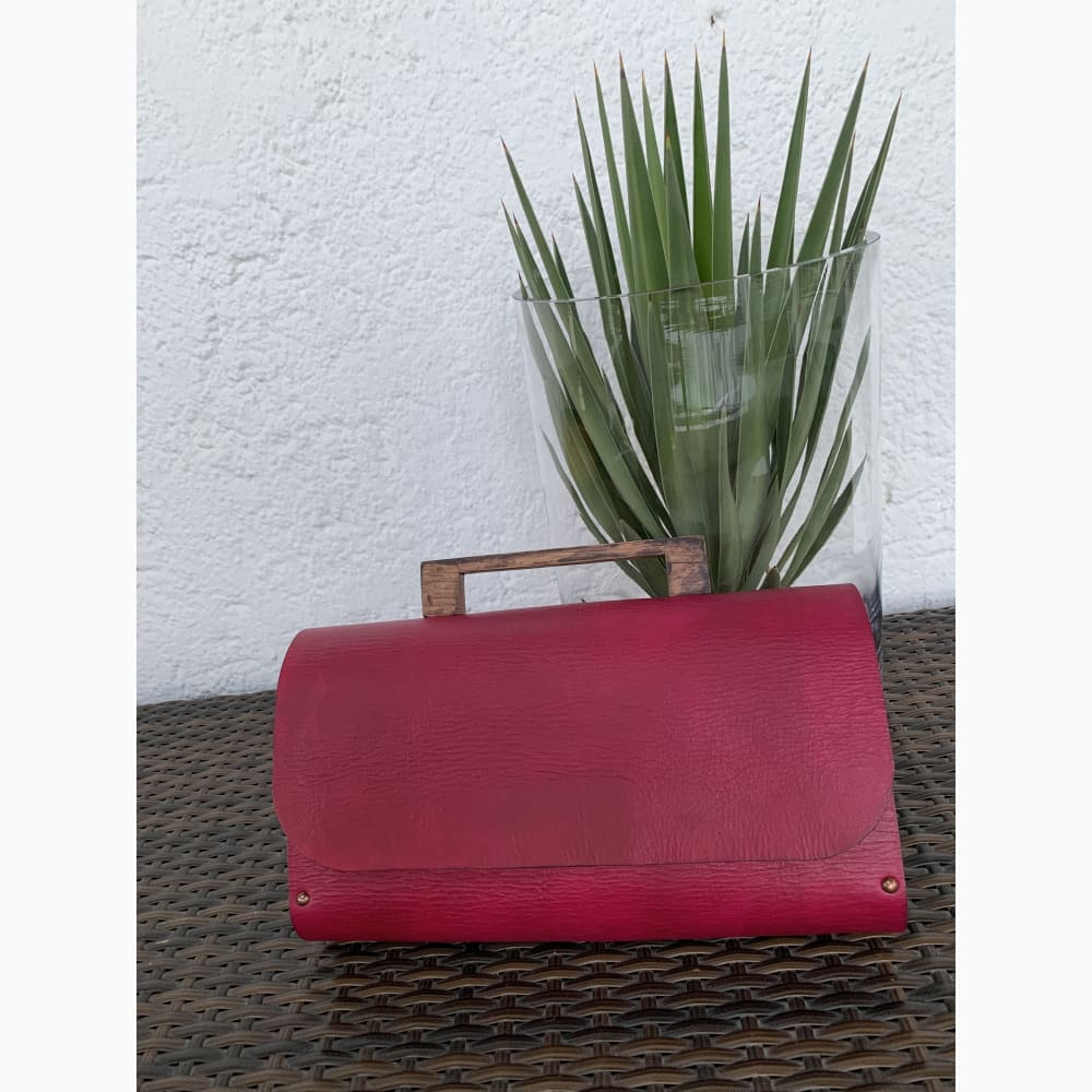 Sisipho Clutch - Clutch