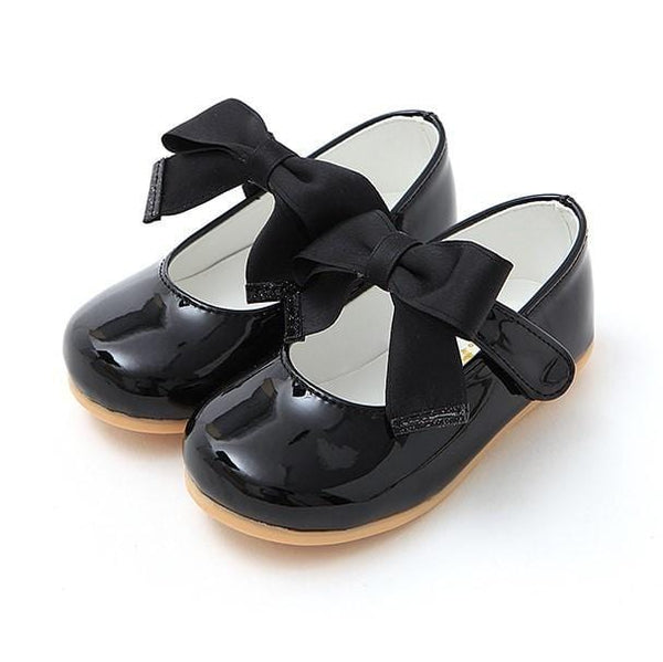 Black ballerinas with ribbon