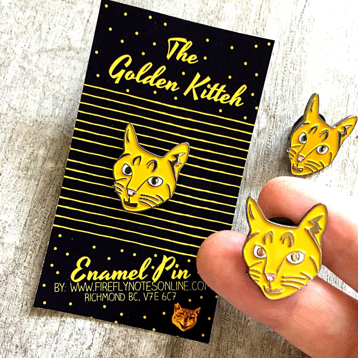 Cat enamel pin, golden kitteh