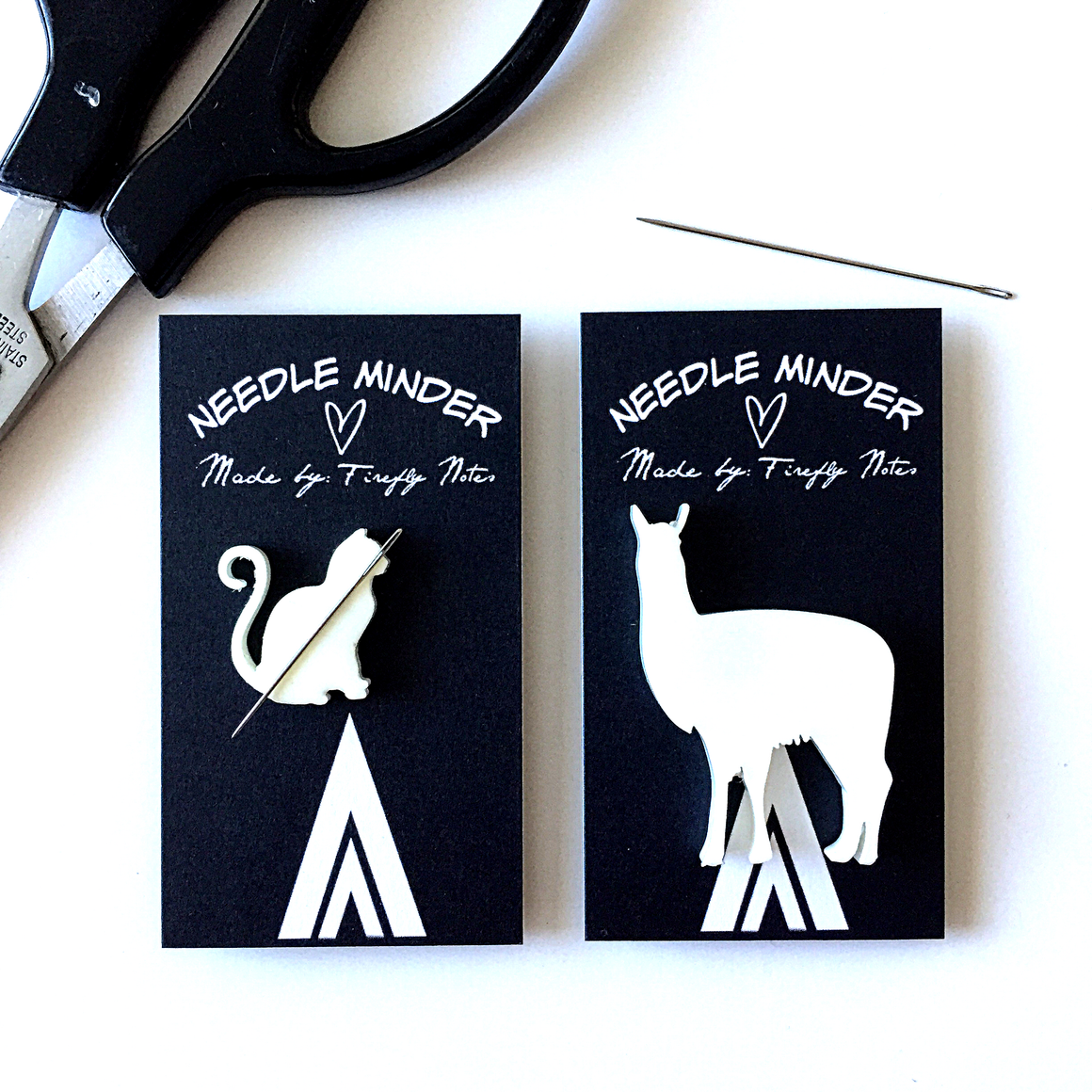 Cat or Llama resin Needle minder