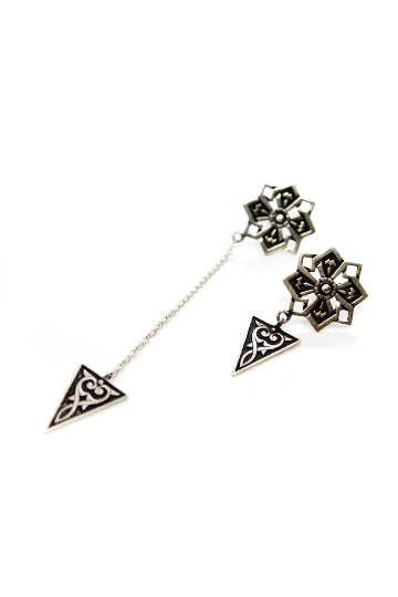 Sterling Silver Star Asymmetric Earrings - MIRAYJEWELRY