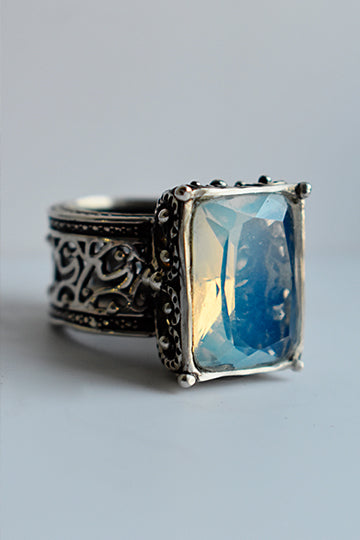 Silver Ring with Moonstone - MIRAYJEWELRY