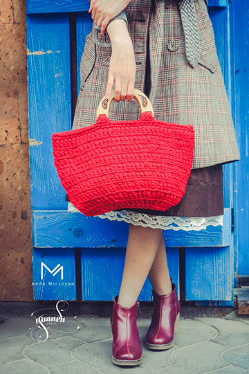 Red Knitwear Bag with Real Flowers - MIRAYJEWELRY