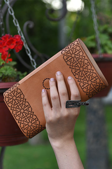 Clutch Aghjots Light Brown - MIRAYJEWELRY