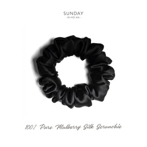 Mulberry Silk Scrunchie ( Medium) - Black