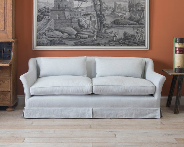 Traditional Elmstead Sofa with Loose Covers | Showroom Model