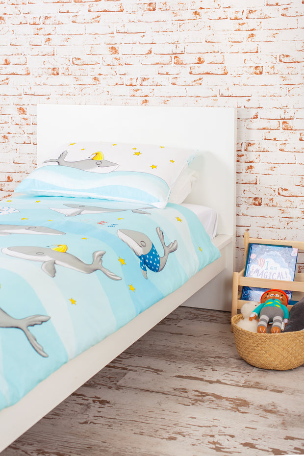 "100% Organic & Fairtrade Certified Cotton Duvet Set ""HAPPY HUMPBACKS"" BLUE COT/TODDLER SIZE"