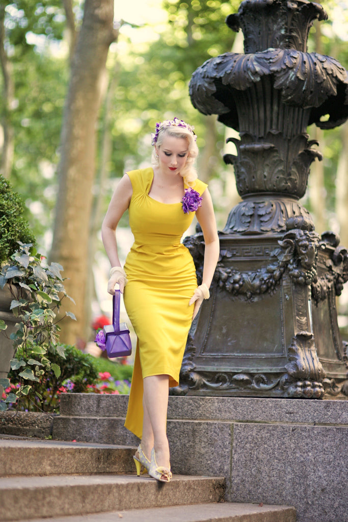 stunning yellow - pencil dress with sash