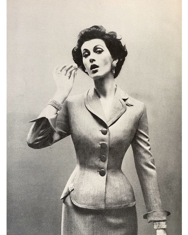 Ann- vintage 1950s suit with pencil skirt