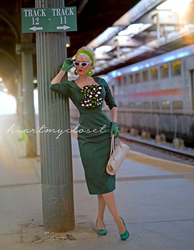 Green with polkadot bow - 1950s vintage dress - heartmycloset