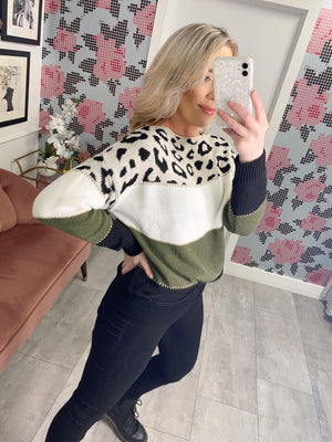 Leopard Stripe Knitted Jumper  Soft Knit  Long Sleeves  Model wears ONE SIZE  One Size - UK 8 - 12   Approximate length: 60cm