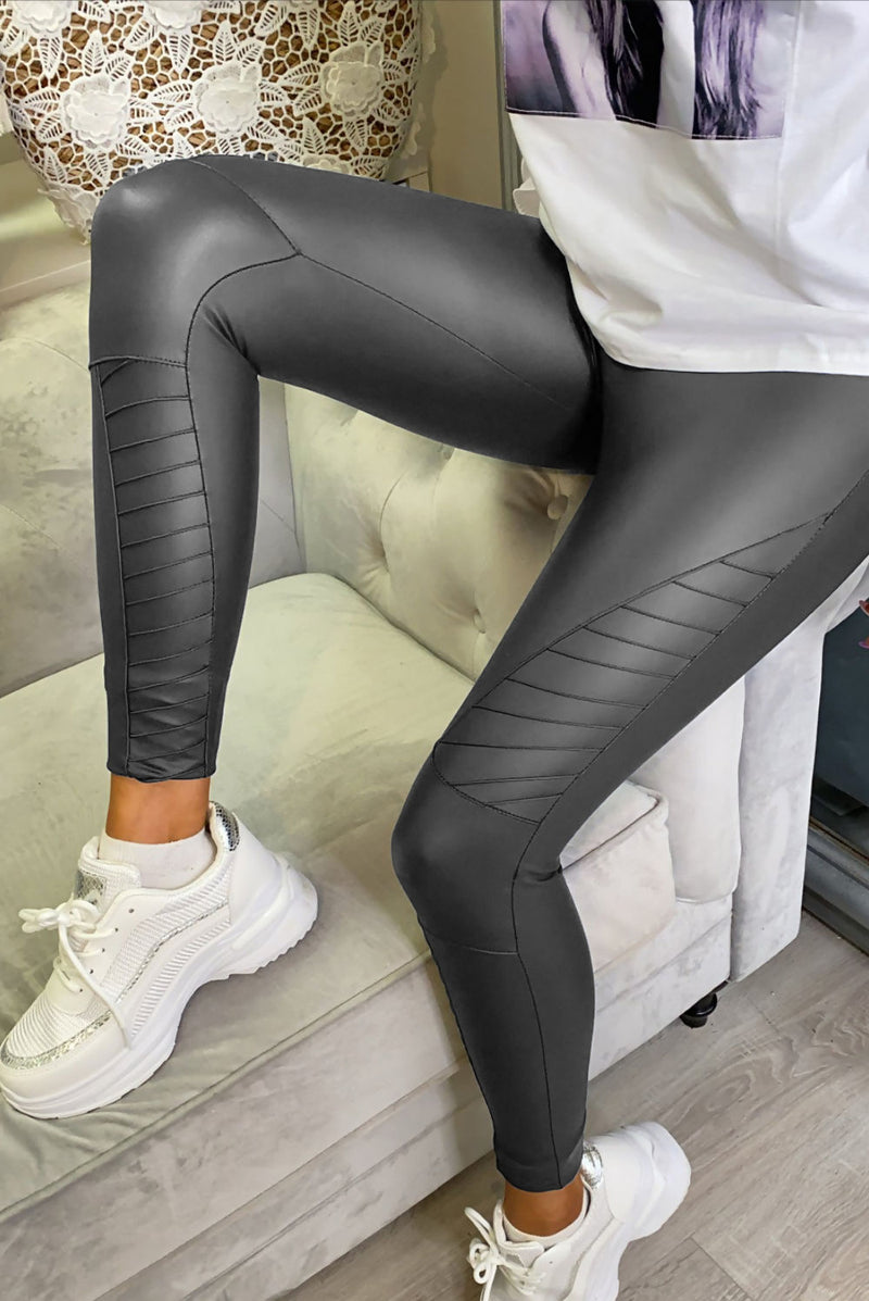 These leggings are AMAZING!! You need these in your life!....no more words needed. They're sold out multiple times so don't delay in securing yours NOW! Charcoal matt PU Body High Waist with a Thick Waistband Skinny Fit Paneled Knee Pattern Fabric: 10%PU 75%Polyamide 15%Elasthanne
