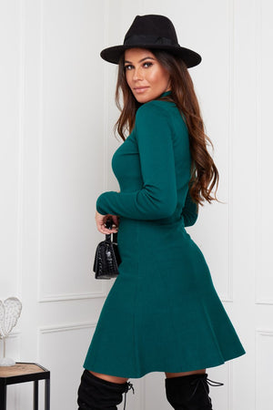 Featuring a high neck, fitted waist, long sleeves, skater skirt and thick rib knitted fabric. Pair with thigh high boots to turn heads, or keep it casual with trainers.