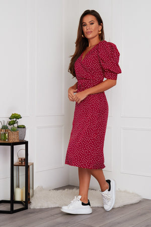 Keep it classy in our stunning Millie dress. Featuring puffed short sleeves, v neck, a non-detachable belt, drawn in waistline and side split. This midi dress a great versatile option, perfect for a family lunch or your upcoming occasion, wear with trainers or heels.
