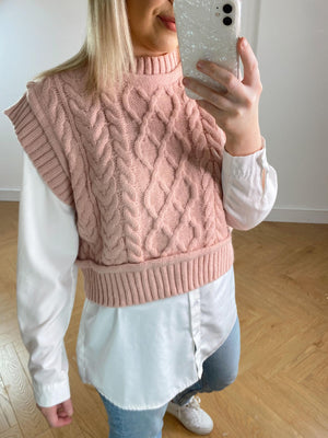 Because who doesn't love a pop of PINK in their wardrobes?  Check out our stunning new Knitted Sweater Vest in these gorgeous baby pink shade. Perfect for that casual/dressy ensemble and looks great paired with a white shirt and denim!   ONE SIZE (8-14)