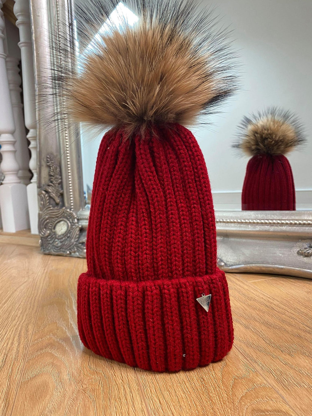 Uptown BIBI Fur Pom Pom Hat - Red/Wine