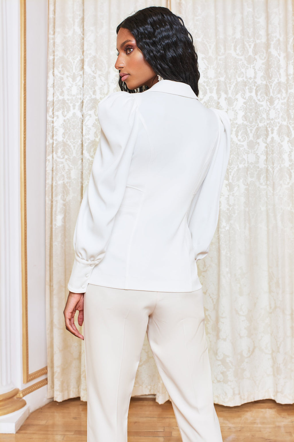 Puff sleeve shirt in white