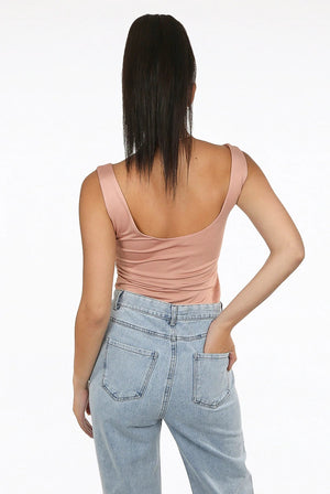 Square neck crop top in the colour rose