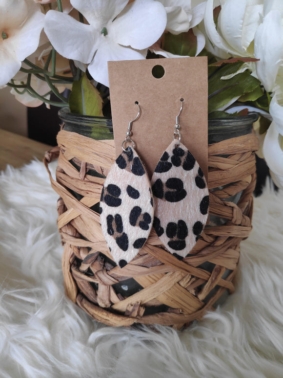 Fuzzy oval leopard earrings