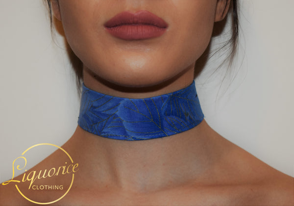 Blue Gold Feather Print Choker
